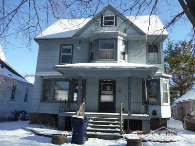 Bay City Single Family Home For Sale: 908 N Birney St