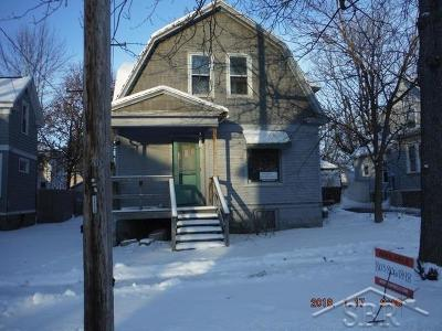 Bay City Single Family Home For Sale: 235 N Sherman St