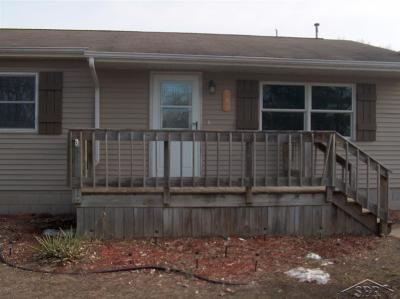 Saginaw MI Single Family Home For Sale: $89,900