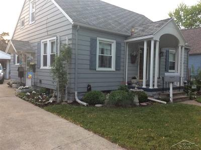 Bay City Single Family Home For Sale: 1602 S Erie