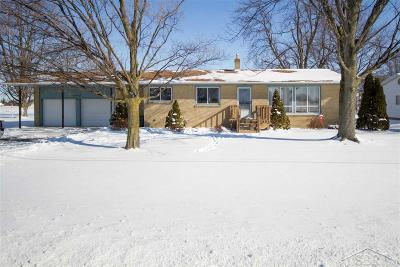 Bay City Single Family Home Keep Showing-Contgcy Appl: 6663 3 Mile Road