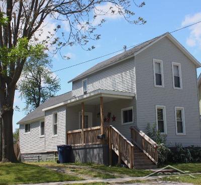 Bay City Single Family Home For Sale: 403 N Walnut