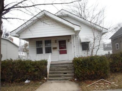 Bay City Single Family Home For Sale: 406 S Sheridan St