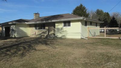 Bridgeport Single Family Home For Sale: 3855 S Airport