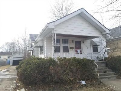 Bay City Single Family Home For Sale: 406 S Sheridan
