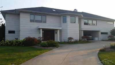 Freeland Single Family Home For Sale: 9 E Grove Court