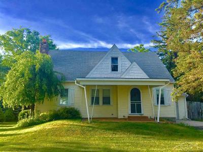 Saginaw Single Family Home For Sale: 9490 Swan Creek Rd