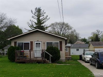 Saginaw Single Family Home For Sale: 2007 Reo