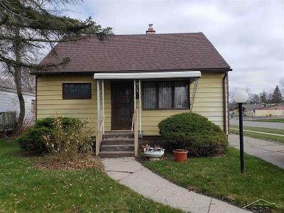 Flint Single Family Home For Sale: 106 W Austin