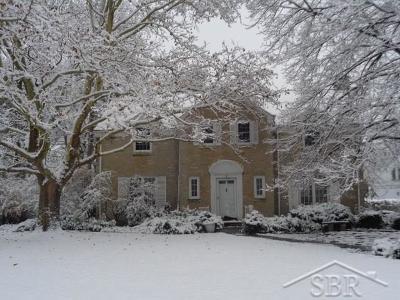 Saginaw Single Family Home For Sale: 3 E Hannum