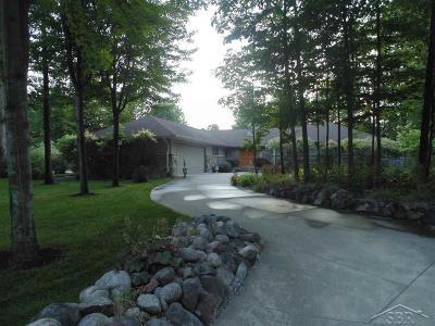 Saginaw Single Family Home For Sale: 3551 E Marcus