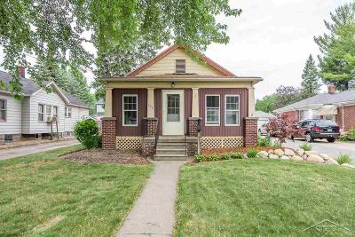 Bay City Single Family Home For Sale: 207 Hill Street