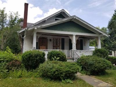 Saginaw Single Family Home For Sale: 213 S 12th