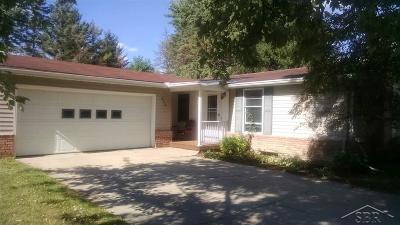 Freeland Single Family Home For Sale: 905 Roeser
