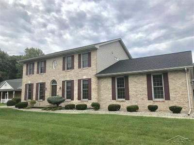 Saginaw Single Family Home For Sale: 3803 Prairie Creek