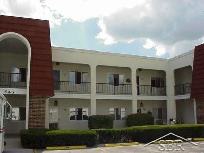 Saginaw Condo/Townhouse For Sale: 945 Kennely