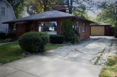 Saginaw Single Family Home For Sale: 605 Vermont
