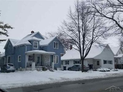 Bay City Multi Family Home For Sale: 917 S Madison