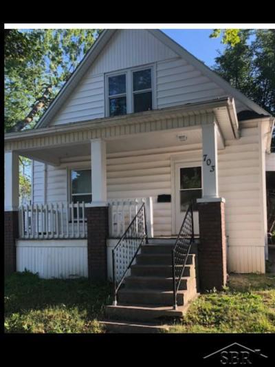 Saginaw Single Family Home For Sale: 703 W Holland
