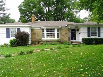 Saginaw Single Family Home For Sale: 18 Roselawn