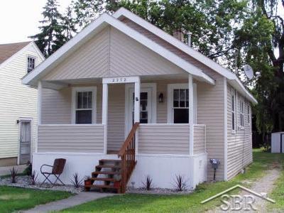 Saginaw Single Family Home For Sale: 2272 Taft