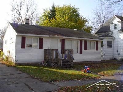 Saginaw Single Family Home For Sale: 1723 Wood