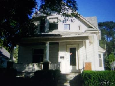 Saginaw Multi Family Home For Sale: 709 N Fayette