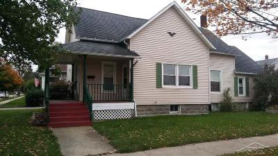 Bay City Single Family Home For Sale: 300 Fitzhugh