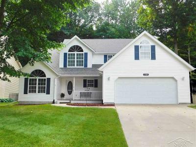 Freeland Single Family Home For Sale: 11681 Magnolia