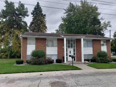 Saginaw Multi Family Home For Sale: 593/597 Homedale