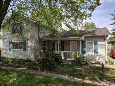 Saginaw Single Family Home For Sale: 320 Walnut