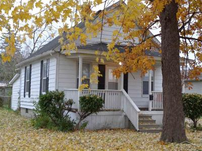 Saginaw Single Family Home For Sale: 1010 S Wheeler