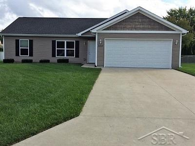 Saginaw Single Family Home For Sale: 2223 Moonglow Court