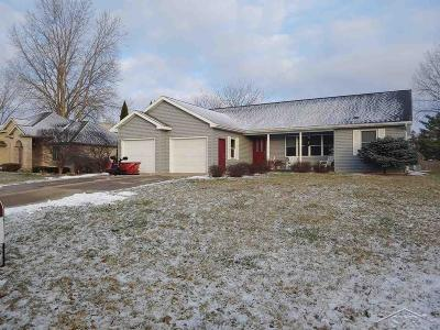 Saginaw Single Family Home For Sale: 426 W Braeburn