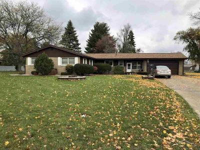 Saginaw Single Family Home For Sale: 2776 E Dexter Dr
