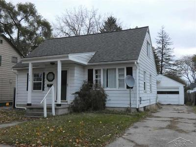 Saginaw Single Family Home For Sale: 304 Larch Street
