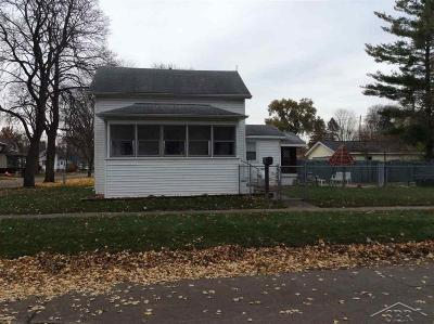 Saginaw Single Family Home For Sale: 1720 Jackson