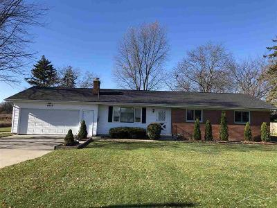 Saginaw Single Family Home For Sale: 4685 Mackinaw