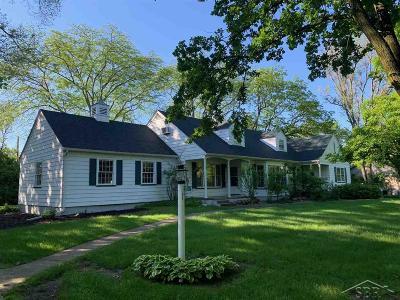 Saginaw Single Family Home For Sale: 51 E Hannum