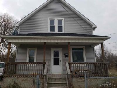 Saginaw Single Family Home For Sale: 709 S 14th