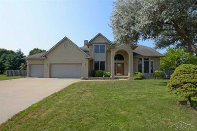 Saginaw Single Family Home For Sale: 3825 Morningside