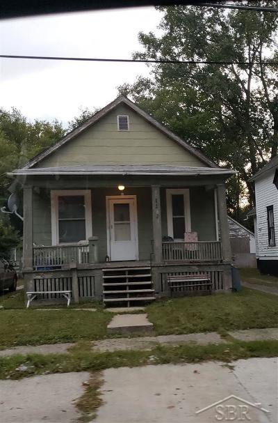 Saginaw MI Single Family Home For Sale: $12,500