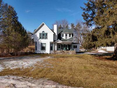 Freeland Single Family Home For Sale: 8925 Webster Rd.
