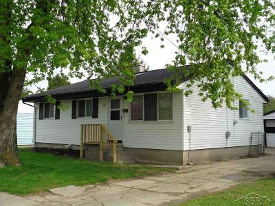Saginaw MI Single Family Home For Sale: $64,900