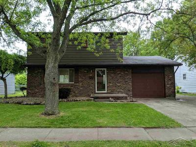 Saginaw Single Family Home For Sale: 3865 Vanguard