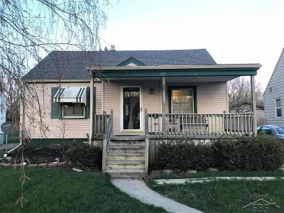 Bay City Single Family Home For Sale: 2917 S Euclid