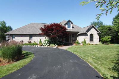 Saginaw Single Family Home For Sale: 2201 Chestnut Ridge