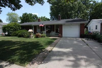 Saginaw MI Single Family Home For Sale: $99,900