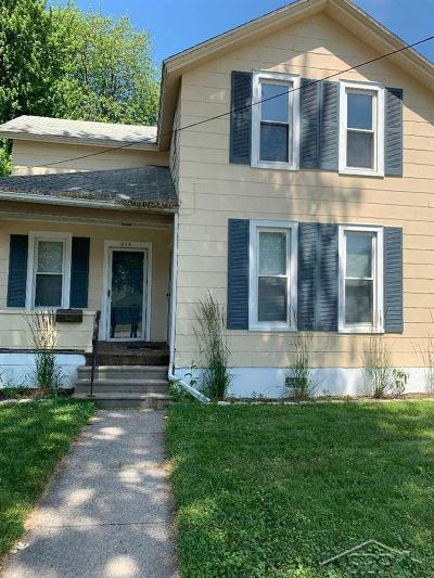 Saginaw MI Single Family Home For Sale: $30,000