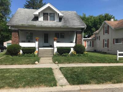 Saginaw MI Single Family Home For Sale: $60,000